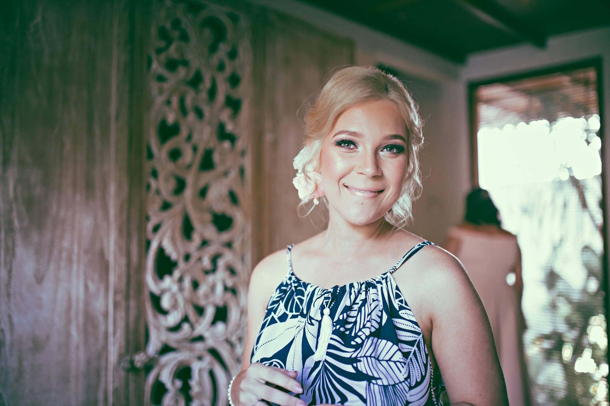 Best Balinese female wedding photographers