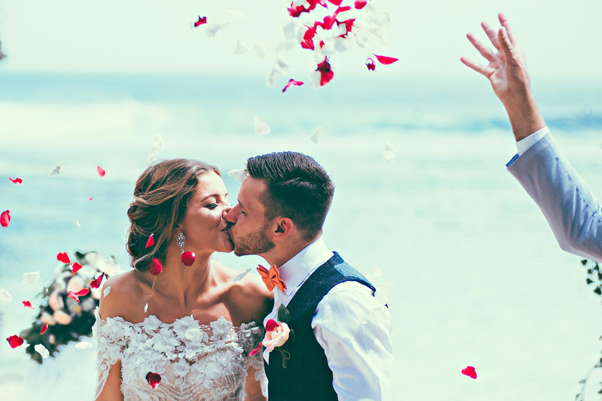 female Bali wedding photographer